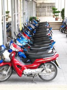Hmm... shiney motobikes....